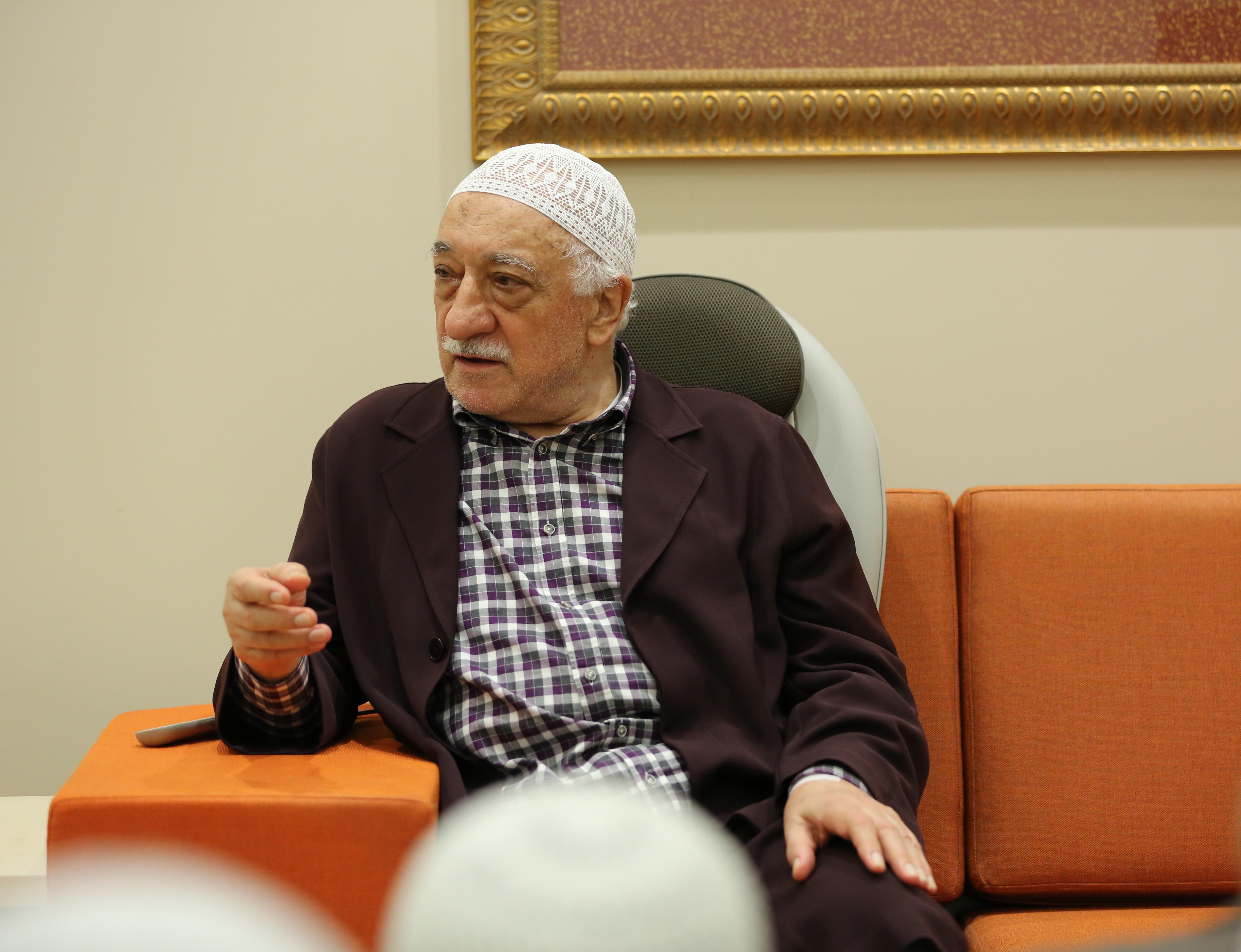 Muhterem Fethullah Gülen Hocaefendi bir hasbihal esnasında